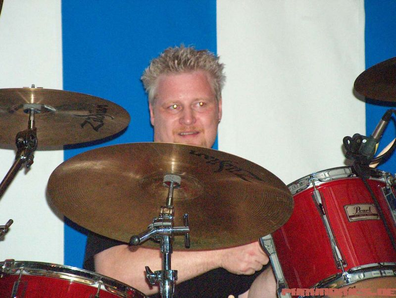 http://pix.paranoiacs.de/2004/20040904_Muurrock_Geraardsbergen/16.jpg